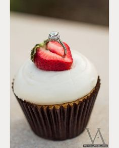 the perfect way to propose!  cupcakes, strawberries and bling! ~  we ❤ this! moncheribridals.com