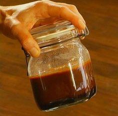 Dunkle Grundsauce / Bratenjus, ein beliebtes Rezept aus der Kategorie Haltbarmachen. Bewertungen: 68. Durchschnitt: Ø 4,6.