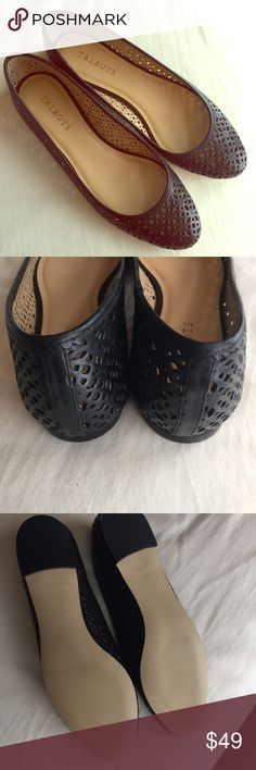 NWOT Talbots Black Flats Beautiful NWOT Talbots Black Flats. Laser cutout detail, lightly padded footbed. Never worn outside. Perfect with leggings and a loose top. Does not come with box. Beautiful shoe! 👠 Talbots Shoes Flats & Loafers