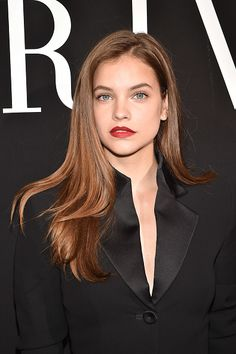 barbara-palvin-attends-the-giorgio-armani-prive-haute-couture-show-picture-id808289430 (395×594)
