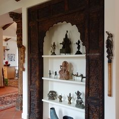 Material Culture in a home in Carmel Valley California - Indian Carved Panel Ethnic Home Decor, Indian Home Decor, Design Marocain, Indian Interior Design, Pooja Room Door Design, Home Decoracion, Indian Interiors, Indian Homes, Pooja Rooms