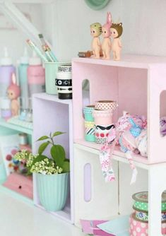 Right here are some basic and yet awesome teen room design ideas ideas that you can execute into your DIY teen room decor job. Find some cute, trendy, remarkable as well as truly enjoyable teen girl bedroom ideas. Pastel Decor, Deco Pastel, Teen Girl Bedrooms, Little Girl Rooms, Pastel Bedroom, Pastel Girls Room, Decoration Shabby, Pastel House, Girl Room Decor