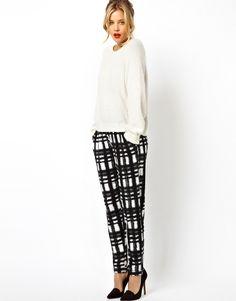 Peg Pants in Plaid Check Print