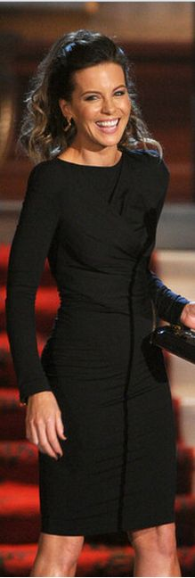 Kate Beckinsale:    Dress – Tom Ford    Shoes – Christian Louboutin
