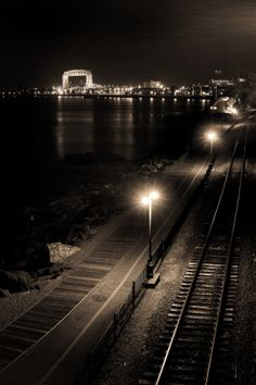 View of the Lift Bridge from Fitger's Complex in Duluth. Nearby Lodging at Beacon Pointe Resort >> http://www.beaconpointeduluth.com