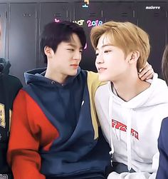 #NCT #재민 #JAEMIN #제노 #JENO #Gif Johnny Lee, Nct Dream Jaemin, The Big Hit, Kpop Couples, Nct Life, Jeno Nct, Couple Aesthetic, Nct Taeyong, Na Jaemin