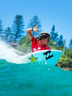 QUIKSILVER & ROXY PRO GOLD COAST 2015 ARCHIVE Courtney Conlogue focused 2015 Roxy Pro Round 2 Highlights Phwsl official WSL - WORLD SURF LEAGUE
