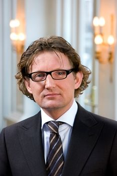 His Highness Prince Berhard of Orange-Nassau, van Vollenhoven.  Prince Bernhard Lucas Emmanuel of Orange-Nassau, van Vollenhoven, born 25 December 1969, is the second son of Princess Margriet of the Netherlands and Pieter van Vollenhoven. He is a first cousin of the king.