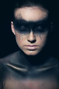 Bildergebnis für unseelie Make-up Lidschatten Warrior Makeup, Male Makeup, Sfx Makeup, Costume Makeup, Makeup Art, Makeup Tips, Beauty Makeup, Halloween Makeup Looks, Up Halloween