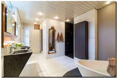 Heel mooi om een passpiegel in de badkamer te hangen. Spiegel te koop bij: http://www.barokspiegel.com/klassieke-spiegels/kuifspiegel-manfredo