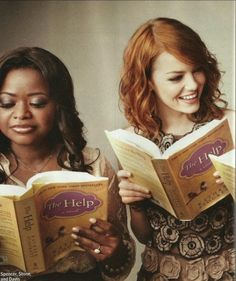 "Octavia Spencer and Emma Stone from ""The Help"" reading ""The Help"""