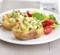 Leek & herb stuffed jackets : Bored of the usual baked potato fillings? These are started off in the microwave to speed things up, then baked with a creamy leek mixture Bbc Good Food Recipes, Healthy Dinner Recipes, Vegetarian Recipes, Cooking Recipes, Vegetable Recipes, Veggie Meals, Baked Potato Fillings, Potato Recipes, Potato Dishes
