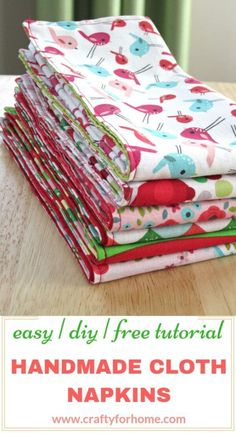 Handmade Cloth Napkins: Easy Tutorials - - Easy sewing tutorials on how to make double-sided cloth napkins for fat quarters project, perfect for DIY table decor on holiday season and a fun homemade gift. Easy Sewing Projects, Sewing Projects For Beginners, Sewing Hacks, Sewing Tutorials, Sewing Crafts, Sewing Tips, Fabric Crafts, Art Crafts, Sewing Patterns Free