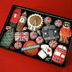 Custom Cookie Co. : London themed decorated cookies