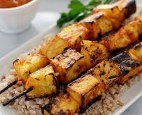 Cantinho Vegetariano: Espetinhos de Tofu e Abacaxi com Molho Picante de ...