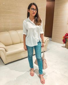 Basic as ever: white top + jeans Jean Top, White Tops, Casual Chic, Ootd, Jeans, Outfits, Instagram, Style, Fashion