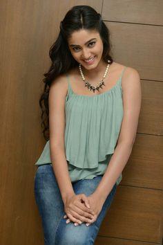 Sana Makbul Long Dark Hair, Indian Beauty Saree, Sexy Jeans, Indian Girls, Indian Actresses, Cute Girls, Asian Girl, Hande Ercel, Divas