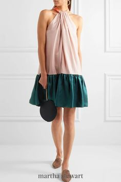 Attend a wedding in style, and comfort, in this color blocked dress. A loose fit and bright colors make it a winner. #weddingideas #wedding #marthstewartwedding #weddingplanning #weddingchecklist Female Profile, Plunge Dress, Batik Dress, Roksanda, Colorblock Dress, Dot Dress, Types Of Fashion Styles, How To Wear, Clothes