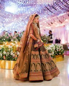 Best Indian Wedding Dresses, Indian Wedding Video, Indian Bridal Outfits, Indian Bridal Wear, Cute Wedding Dress, Bridal Dresses, Bridal Poses, Bridal Portraits, Indian Wedding Couple Photography
