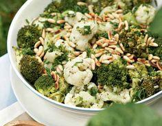 Marinoitu parsakaalisalaatti