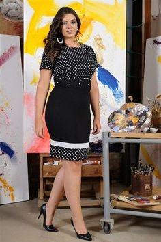 Vestido Outubro - Cassia Segeti Curvy Fashion, Plus Size Fashion, Girl Fashion, Womens Fashion, Casual Dresses, Fashion Dresses, Short Sleeve Dresses, Summer Dresses, Office Dresses For Women