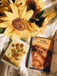 Art Hoe Aesthetic, Aesthetic Colors, Aesthetic Grunge, Yellow Art, Mellow Yellow, Yellow Aesthetic Pastel, Arte Van Gogh, Van Gogh Sunflowers, Vintage Yellow