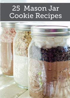 """""""EASY cookie mason jar recipes: Hot Chocolate Cookies, Buttered Toffee Oatmeal Cookies, and Fudge Peppermint Crinkle Cookies."""" I love Mason Jar recipes:) Mason Jar Cookie Recipes, Mason Jar Cookies, Mason Jar Meals, Mason Jar Gifts, Meals In A Jar, Gift Jars, Mason Jar Christmas Gifts, Recipe For Cookie In A Jar, Diy Gifts Jar"""