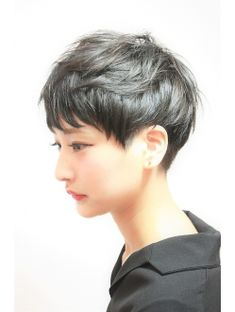 selecting-your-perfect-pixie-haircut - Fab New Hairstyle 2 Girl Short Hair, Short Hair Cuts, Short Hair Styles, Natural Hair Styles, Pixie Hairstyles, Short Hairstyles For Women, Cool Hairstyles, Pixie Haircuts, Straight Hairstyles