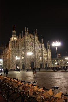 milán. la catedral. bicing city.