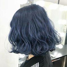Short Blue Hair, Dark Blue Hair, Hair Dye Colors, Ombre Hair Color, Blue Hair Dyes, Blue Hair Streaks, Blue Hair Aesthetic, Denim Blue Hair, Korean Hair Color
