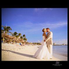 Destination weddings by Dianna Hart Photography.