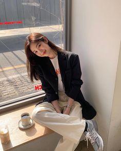Korean Girl Fashion, Korean Street Fashion, Korea Fashion, Kpop Fashion, Asian Fashion, Fashion Outfits, Korean Casual Outfits, Korean Outfit Street Styles, Trendy Outfits