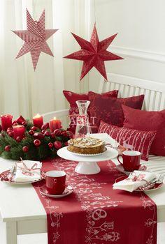 Kaffee zum Advent mit einer Tischdekoration von Apelt mit passendem Tischläufer und Kissen, Artikel 8022, 8021, 8023, 7907, ASCOT
