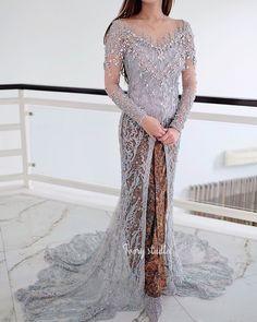 Kebaya Wedding, Hijab Wedding Dresses, Bridal Dresses, Wedding Gowns, Kebaya Bali, Batik Kebaya, Kebaya Dress, Indonesian Wedding, Model Kebaya