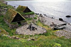 A brief article focusing on a documentary on the medieval Icelandic sagas recounting the history of the Norsemen during the Viking Age. Viking House, Viking Life, Icelandic Sagas, Viking Village, Vegvisir, Norse Vikings, Vikings Game, Norse Mythology, Norse Goddess