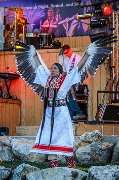 Native American Wisdom, Native American Regalia, Native American Clothing, Native American Pictures, Native American Artwork, Native American Beauty, American Indian Art, Native American History, American Indians