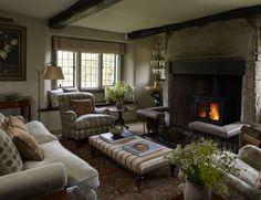 English Cottage Interiors, Georgian Interiors, English Interior, Georgian Homes, Cottage Lounge, Cottage Living Rooms, Cozy Cottage, Cottage Style, Country House Interior