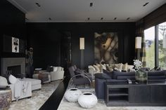 CASA TRÈS CHIC: CHRISTIAN'S & HENNIE - INVERNO Interior Work, Interior Design Studio, Modern Interior Design, Interior Architecture, Interior And Exterior, Dark Interiors, Modern Spaces, Living Area, Living Rooms