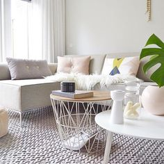 Love everything about this stunning living room by the very talented @lustvoorhetoog  #susieqloves #happysaturday