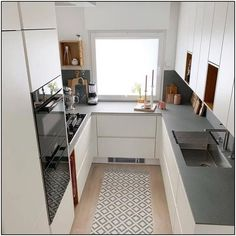 136 small kitchen ideas that will make your home look fantastic page 32 Kitchen Room Design, Kitchen Cabinet Design, Modern Kitchen Design, Home Decor Kitchen, Interior Design Kitchen, Kitchen Ideas, Small Apartment Kitchen, U Shaped Kitchen, Cuisines Design