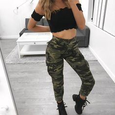 Camo Joggers Corrina camo joggers from Laura's Boutique. Never worn. Lit Outfits, Camo Outfits, Edgy Outfits, Dance Outfits, Outfits For Teens, Summer Outfits, Fashion Outfits, Camo Pants Outfit, Joggers Outfit