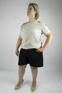 Look com camiseta em crepe de seda.  http://www.mariadoidamoda.com.br/