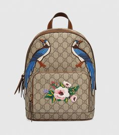 1e3996da5dd6 Don t Fight It  This Bag Trend Is Happening (Again