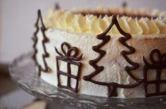 Weihnachtstorte: Mandel-Glühwein-Torte
