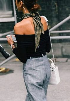 Colorful Silk Scarves Are the Iconic Way to Glam Up Your Look This Season outfit Look Fashion, Fashion Outfits, Fashion Tips, Fashion Scarves, Fashion Hacks, Fashion Websites, Fashion Bloggers, Fashion Art, Womens Fashion
