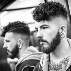 Popular Men's Hairstyles + Haircuts - New Trend Hair Styles Undercut Curly Hair, Undercut Men, Curly Hair Cuts, Undercut Hairstyles, Short Curly Hair, Curly Hair Styles, Undercut Pompadour, 4c Hair, Male Haircuts Curly