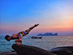 An amazing gallery of yoga poses that's illustrated by real yogis around the world featuring thousands of beautiful yoga photos. Beautiful Yoga, Beautiful World, Beautiful People, Riverside Residence, Swing Yoga, Asana Yoga Poses, Side Crow, Lotus Pose, Yoga Photos