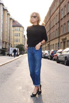 Simple look, love the jeans.