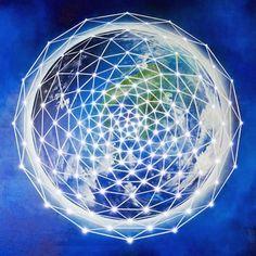 @solitalo Estas redes de luz que llamáis rejillas cristalinas de luz, en los próximos días van a duplicar su frecuencia e intensidad, bombeando más fuerte que nunca, su vibración, incluso en los ch…