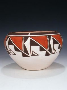 Shop our large selections of fine Native American Indian jewelry, Pueblo pottery, Zuni fetishes, and more! Coiled Pottery, Pottery Bowls, Ceramic Bowls, Pottery Art, Ceramic Art, Pottery Painting Designs, Pottery Designs, Bottle Painting, Bottle Art